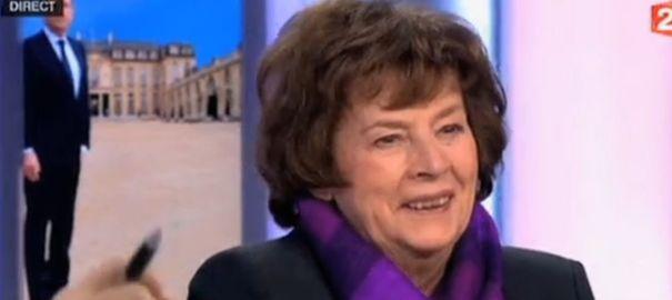La gaffe de la journaliste Michèle Cotta après la conférence de presse de François Hollande