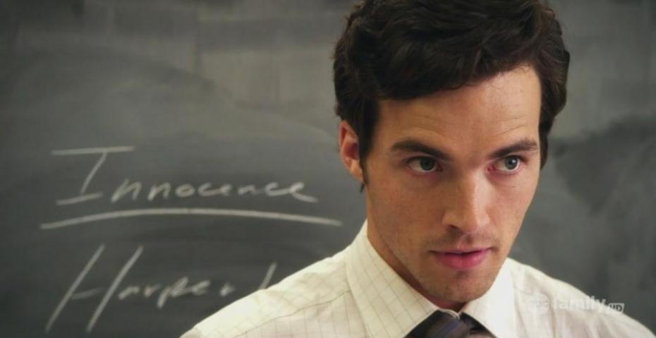 Pretty Little Liars saison 5 : Ezra sera-t- il de la partie ?