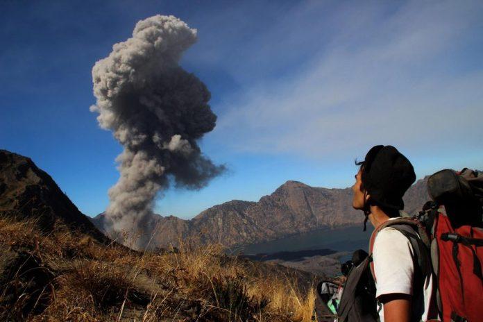 Bali évacué à cause d'un volcan, état d'alerte maximale décrété