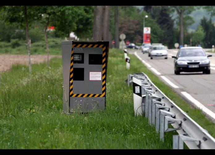 Les radars autonomes pourront maintenant flasher dans les virages