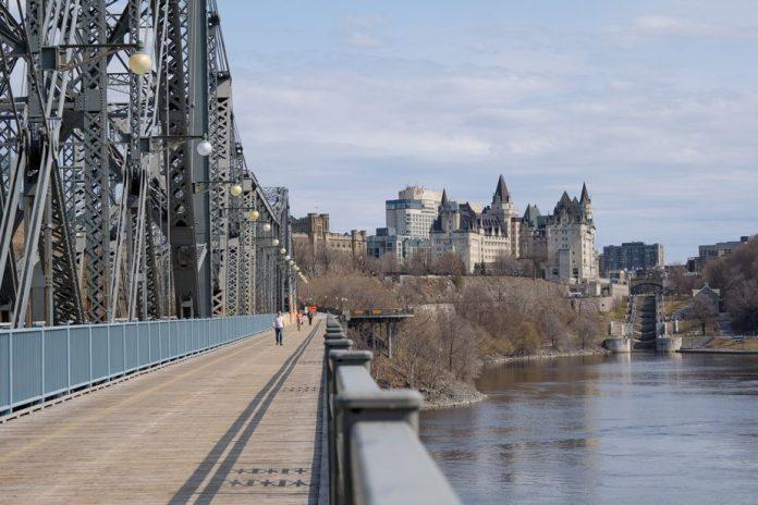 La frontière Québec-Ontario ouverte dès mercredi (ministre de la Sécurité publique)