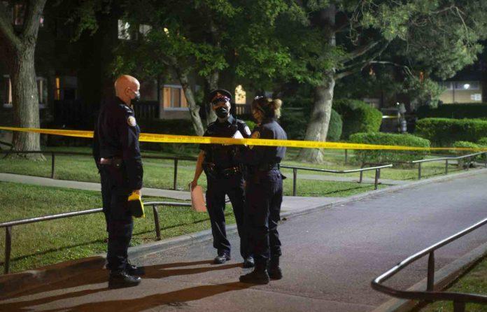 Une fusillade lors d'une fête d'enfant à Toronto fait quatre blessés