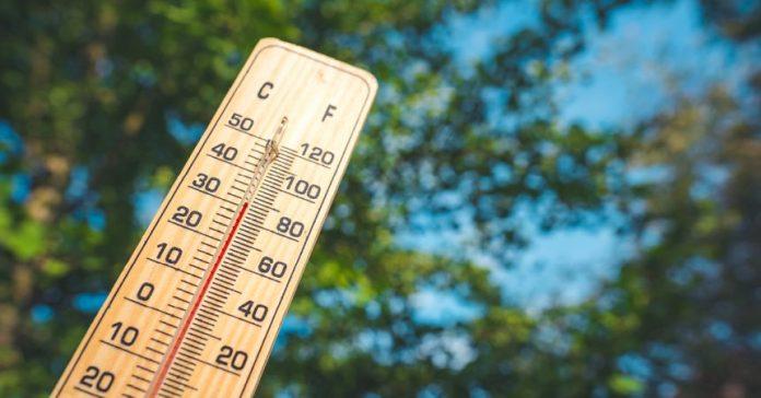 Coronavirus: Le masque de qualité pourra être retiré à l'extérieur en période de chaleur extrême