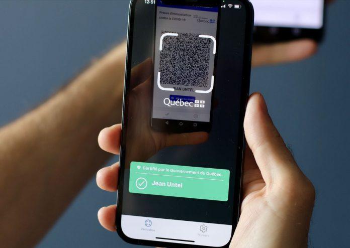 les Québécois vaccinés sont invités à télécharger l'application gratuite VaxiCode compatible Apple et Android