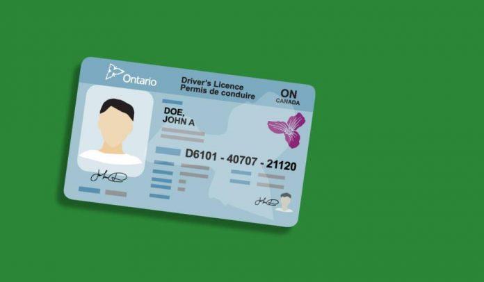 L'Ontario rétablit les exigences de renouvellement des permis de conduire, des vignettes de plaque d'immatriculation et des cartes Santé